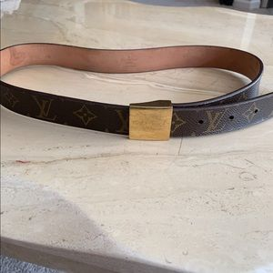 Authentic Louis Vuitton women's belt